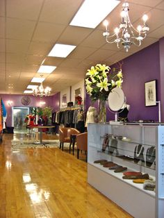 Purple is Long Island's most exclusive consignment store. We accept only the finest designer clothing, handbags, shoes, accessories and jewelry, select vintage items, as well as unique furniture and home décor pieces in great condition. In addition to choosing merchandise that is only of the highest quality, Purple follows current fashion and décor trends, and offers …