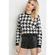 Forever 21 Houndstooth Pullover Sweatshirt (€14) ❤ liked on Polyvore featuring tops, hoodies, sweatshirts, pattern tops, sweatshirt pullover, sweater pullover, pullover tops and houndstooth top