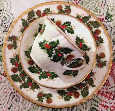 ~Bonnie Tea Parties~ RENT ME: for $5/each place setting. Salad plate size with cup and saucer. Total Quantity for rent: 10 trio sets plus 2 matching sugar and creamer sets, tea pot and two tiered servers in this pattern too!