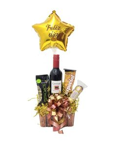 Diy Father's Day Gifts, Father's Day Diy, Fathers Day Gifts, Ideas Para Fiestas, Liquor Bottles, Gift Store, Balloon Decorations, Gift Baskets, Diy And Crafts