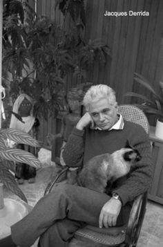 Fransız filozof, edebiyat eleştirmeni ve Yapısökümcülük olarak bilinen eleştirel düşünce yönteminin kurucus Jacques Derrida (1930; Cezayir - 2004; Paris)