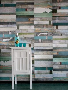 reclaimed wood wall, cool idea for a bathroom