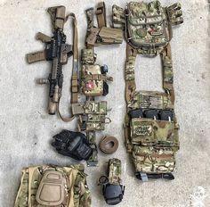 Police Tactical Gear, Tactical Vest, Tactical Survival, Plate Carrier Setup, Battle Belt, Tactical Operator, Airsoft Helmet, Combat Gear, Tac Gear