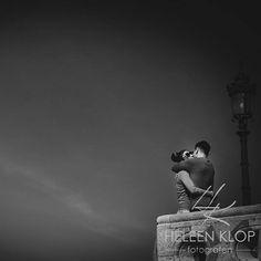 LOVESHOOT | BUDAPEST Moment Design is... having an open heart! . . . . . #48capitalsofeurope #MomentDesign #hungary #boedapest #hongarije #loveshoot #fishermansbastion #castle #ig_photooftheday #love #ig_bw #bw_lover #bwphotography #bw_photooftheday #photooftheday #instagood #photooftheday #beautiful #hug #picoftheday #instadaily #amazing #igers #bestoftheday http://ift.tt/2nQ8xHr #fotograaf #utrecht #beloved www.heleenklop.nl