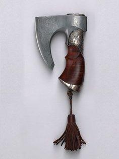 "Knife-ax ""Golden Grove"" (2004) Master - Gennady Kopylov. Damascus steel, north-Crimean juniper, yellow and white metals, leather //"