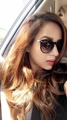 Suit Fashion, Girl Fashion, Punjabi Actress, Blouse Designs, Henna Designs, Celebrity Crush, Indian Fashion, Cute Girls, Curvy