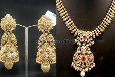 Jewellery Designs: Simple Gold Set Antique Jhumkas