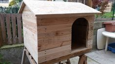 Pallet Dog House to Give Your Dog more Comfort   99 Pallets