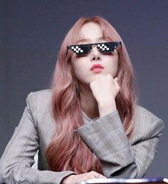 Kpop Girl Groups, Korean Girl Groups, Kpop Girls, Gfriend Profile, Gf Memes, Good Anime Series, Sinb Gfriend, Role Player, Fans Cafe