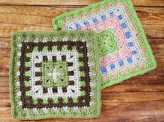 I am so excited to be taking part in Moogly's 2016 Afghan Crochet Along! If you aren't familiar with the crochet along, definitely check it out and see all the awesome afghan square patterns posted so far here … it's not too late to start working up an afghan of your own! I designed this …