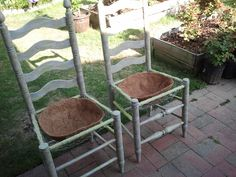 Planter Chairs for the Garden – Guest Post Wife of the infamous RedneckRosarian, creates two beautiful planter chairs that created a warm welcome to your porch or garden entrance. SEE DETAILS. Garden Chairs, Garden Planters, Garden Furniture, Garden Art, Garden Design, Chair Planter, Planter Boxes, Garden Entrance, Garden Types