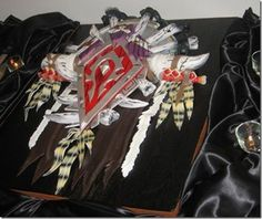 A World of Warcraft Wedding Cake.  How Awesome is this??