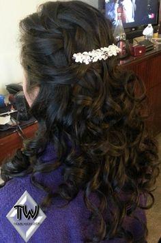 Beautiful Bridal Hair by Naomi Burton www.TeamWedlock.com  www.NaomiBurton.com   (800) 276-0451