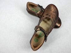 Naot 35 4 Mary Jane Comfort Shoe Flat Bronze Suede Brown Leather Velcro New