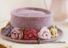 chapéu de crochê com rosas.  esquema
