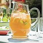 Slightly Sweet Green Tea cups water 7 green tea bags cup honey 4 cups cold water 1 navel orange, cut into wedges 1 lime, cut into wedges) Refreshing Drinks, Summer Drinks, Fun Drinks, Healthy Drinks, Lime Drinks, Cold Drinks, Sweet Tea Recipes, Iced Tea Recipes, Healthy Southern Recipes