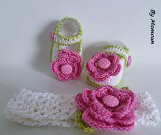 Ballerines et bandeau crochetés main en fil coton blanc 100% et leurs jolies fleurs roses fuchsia : Mode Bébé par mamountricote