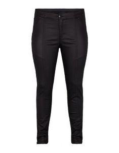 Plus size nyheder Find nyt dametøj til store kvinder her Stretch Pants, Printed Pants, Black Leggings, Digital Prints, Cardigans, Dresser, Leather Pants, Charlotte, Vejle