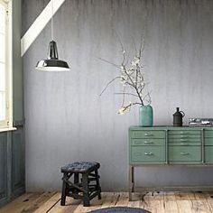 Maak je muur tot de blikvanger van je interieur met het Concrete fotobehang van vtwonen.