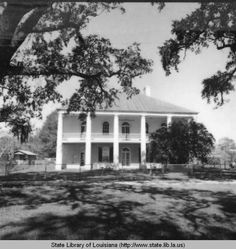 Chretien Point plantation home near Sunset Louisiana :: State Library of Louisiana Historic Photograph Collection