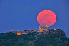 Total lunar eclipse brings 'blood moon' tonight_ watch live and online! Blood Red Moon, Blood Moon Lunar Eclipse, Ancient Greek Theatre, Ancient Greek Architecture, Embedded Image Permalink, Full Moon, Mind Blown, Mother Nature, Hd Wallpaper
