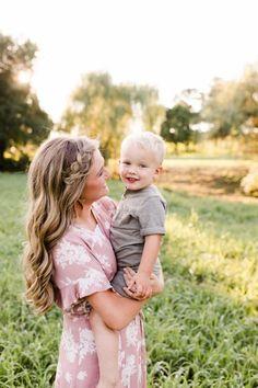 3rd Pregnancy Announcement, Pregnancy Reveal Photos, Bates Family, Family Photos, Couple Photos, Duggar Family, First Daughter, Expecting Baby, Three Kids
