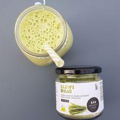 Green Smoothie, pèche & poudre d'herbe de blé