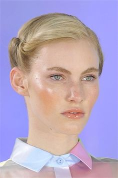 Top NYFW Spring 2012 Beauty Trends with MAC Makeup Artist Keri Blair thank you, denizens, for lettin Dewy Makeup, Glossy Makeup, Soft Makeup, Natural Makeup, Makeup Looks, Beauty Makeup, Hair Makeup, Hair Beauty, Top Beauty