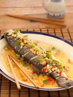 Recette et photo d'un bar vapeur à la chinoise, au gingembre, petitit piment et coriandre