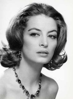Capucine (1990), French actress (The Pink Panther) and fashion model jumped from her eighth-floor apartment in Lausanne, Switzerland.