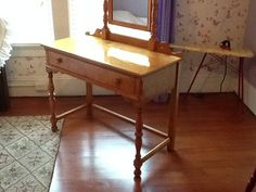 1940s Blonde Wood Vanity Table with Mirror