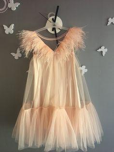 No photo description available. Look Fashion, Kids Fashion, Fashion Design, Baby Girl Dresses, Flower Girl Dresses, Baby Gown, Kids Wear, Designer Dresses, Beautiful Dresses