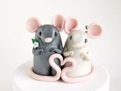 Mouse Wedding Cake Topper with Heart by Bonjour Poupette. $100.00, via Etsy.