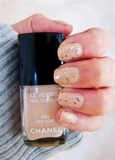 Glitter nails: Chanel jade rose + OPI Only gold for me