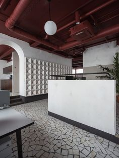 In the Belarusian city of Minsk, the local design studio has designed the offices for Vizor Interactive, a game development company, as a Soviet homage. Deco Restaurant, Restaurant Design, Interior Design Games, Interior Decorating, Interior Architecture, Interior And Exterior, Colored Ceiling, Entry Foyer, Commercial Interiors