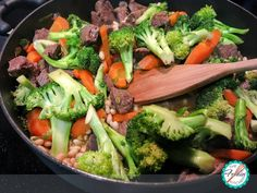 Ingredients: 2 tablespoons vegetable oil 1 pound boneless beef top loin steak, trimmed of fat and cut into cubes 1 clove garlic, minced 1 teaspoon chopped fresh ginger 2 carrots, thinly diagonally sliced 3 ½ cups broccoli florets (8 ounces) Continue reading →