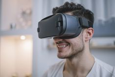A unique low vision aid, called IrisVision combines a mobile app and a virtual reality headset, and when patients wear it, it's like they can see almost as clearly as before. Virtual Reality Headset, Vr Headset, Cool Gadgets, Smartphone, Mobile App, How To Wear, Tech, Unique, Mobile Applications