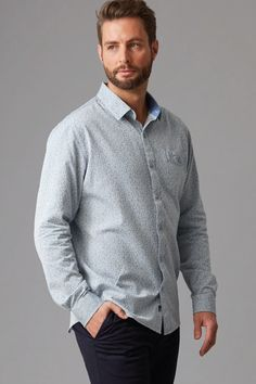 Cut in our regular fit in a textured jacquard cotton this shirt is as versatile as it is stylish. Featuring a left chest pocket, contrast trims and a box pleat cut into the back for added comfort. We've finished this shirt with branded Wild South buttons and woven shirt tag. Team yours with a slim chino or denim for an effortlessly stylish look.