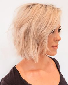 Short hairstyles for thin hair are beautiful trendy hairstyles for girls and women. Short hairstyles for thin hair looks perfect and incredibly cool when it styled with passion and courage. Here are perfect short hairstyles for girls and women to try now. Pin Straight Hair, Short Thin Hair, Short Hair Cuts For Women, Girl Short Hair, Short Hair Styles, Short Girls, Wavy Bob Haircuts, Bob Haircuts For Women, Short Hairstyles For Women