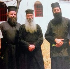 Πνευματικοί Λόγοι: ΦΩΤΟΓΡΑΦΙΑ: Ο Άγιος Ιάκωβος με τον Μητροπολίτη Μόρ... Byzantine Icons, Orthodox Christianity, Spiritual Life, Saints, Spirituality, Pictures, Spiritual