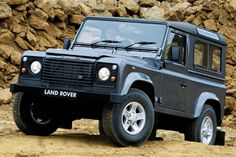 Review Land Rover Defender 90 Td5 County (1999)