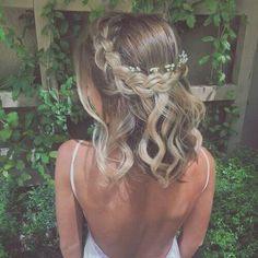 45 Romantic hairstyles for short hair - Frisuren lange Haare - Braided Crown Hairstyles, Prom Hairstyles For Short Hair, Romantic Hairstyles, Dance Hairstyles, Down Hairstyles, Easy Hairstyles, Hairstyle Ideas, Hair Updos For Prom, Medium Wedding Hairstyles