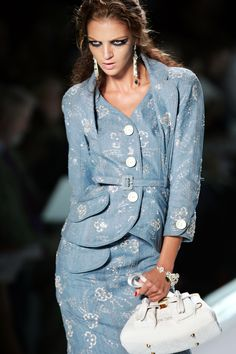 "John Galliano for Christian Dior Spring Summer 2005 Ready-to-Wear - ""Dior Not War"" John Galliano, Galliano Dior, Christian Dior, Fancy Suit, Fashion Details, Fashion Design, Vintage Outfits, Vintage Clothing, Women's Clothing"