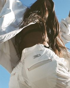 Hyein Seo Heads South For Another Fierce In-Your-Face Collection Emily Oberg, Photography Poses, Fashion Photography, Travel Photography, Estilo Jenner, Jolie Photo, Photo Poses, Streetwear, Glamour