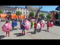Taniec z Parsolką - tańczą dzieci podczas Festynu Strażackiego - YouTube