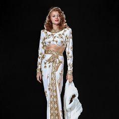 regram @oldhollywoodmylove Rita Hayworth in Gilda (1946)  #ritahayworth #gilda #1940s #oldhollywood #actress #legend #moviestar #iconic #vintage #glamour #goldenera #classicmovies #oldmovies #hollywoodgoldenage #classichollywood #hollywood #star