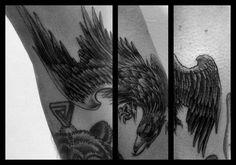 Tattoo águia (Panturrilha) #tattoo #eagle #blackandgray #flederweiss