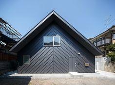 hiromu nakanishi organizes elephant house around internal courtyard - designboom | architecture