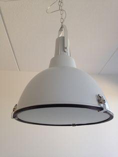 Lamp van de Karwei