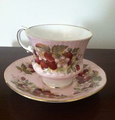 Bone china strawberry pattern teacup, Elizabethan, made in England